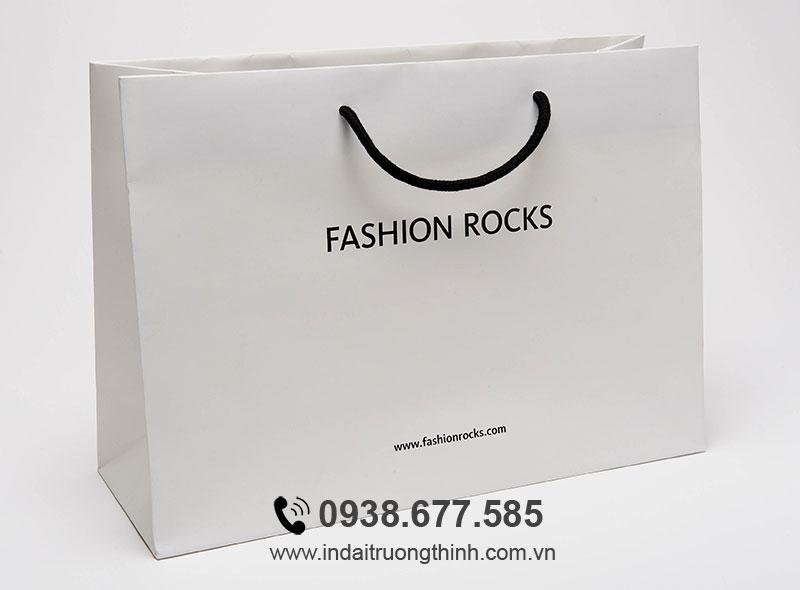 In túi giấy shop thời trang